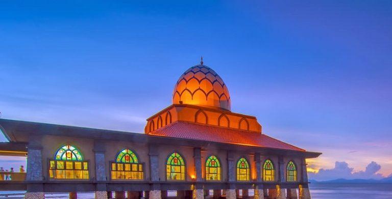 Masjid al-Hussain di Perlis © travelguide.easybook.com